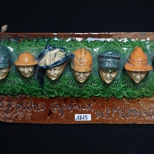 """MOOI PIJPREK Flemish earthenware """"LES 7 PECHES CAPITAUX DE L'ALLEMAGNE"""" L: 36 cm"""