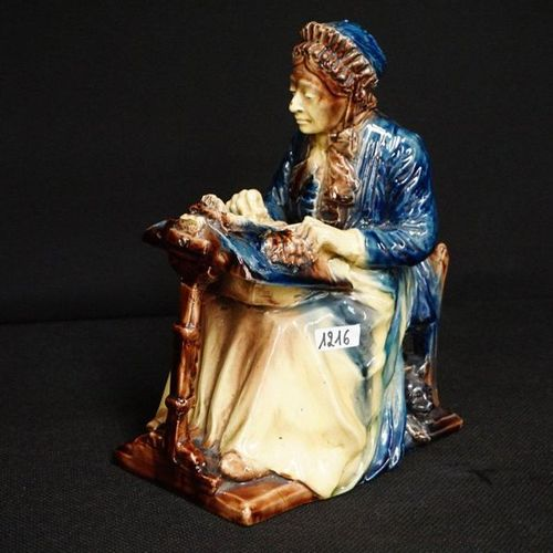"""ZEER MOOI GROOT BEELD Flemish pottery Signed FROM THE FORDE """"lacewinder with cat…"""