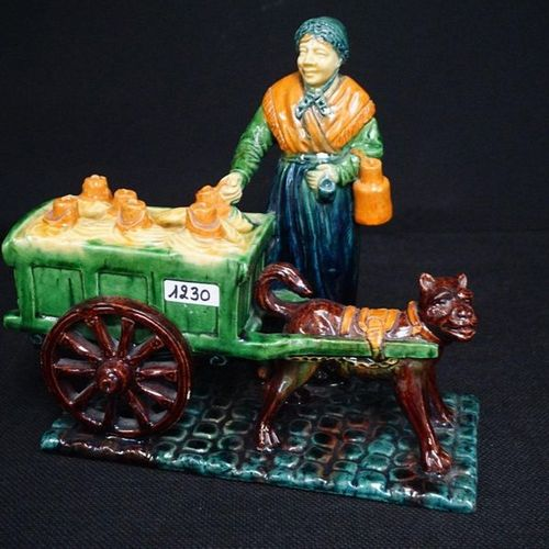 """MOOIE GROEP Flemish pottery """"Hondenkar met melkboerin"""" L: 27 cm H: 23 cm"""