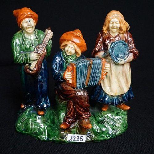 "Groep Flemish pottery ""Three musicians"" H : 22 cm"