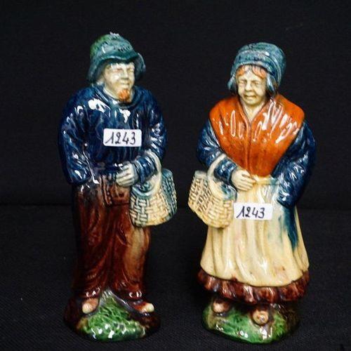 "2 BEELDEN Flemish earthenware ""Visser"" and ""Vissersvrouw"" H: 23 cm"