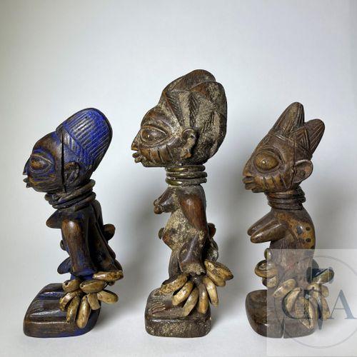 3 Ibidji statuettes, Ila Orangun type, Yoruba, Nigeria. H max 20 cm Descriptif d…