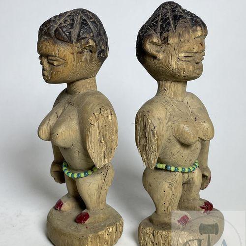 Pair of Ewe statuette, Ghana/Togo. H 16 cm This beautiful pair of Ewe twins carv…
