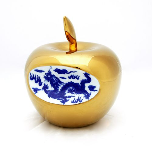 "Golden apple ""Apple China"" in porcelain by Li Lihong around 2013. Signed and n°/…"