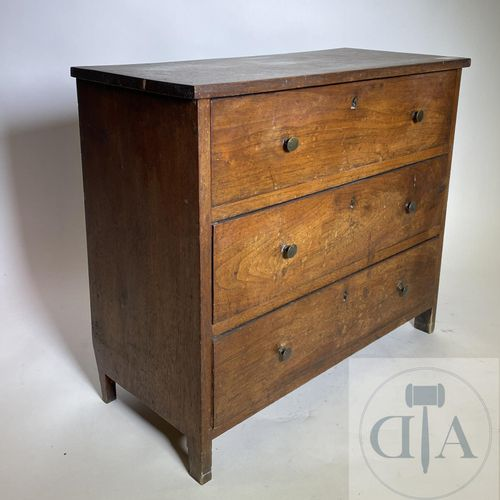 Chest of 3 drawers. Old master's furniture with original patina. TBE. 52 X 23 X …