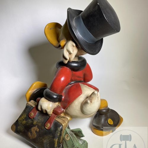 Walt Disney/Scroodge Mc Duck. Rare sculpture representing Balthazar Scrooge in m…