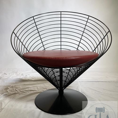 """Pair of armchairs modelled """"Wire cone"""" by Verner Panton. Manufactured by Fritz H…"""