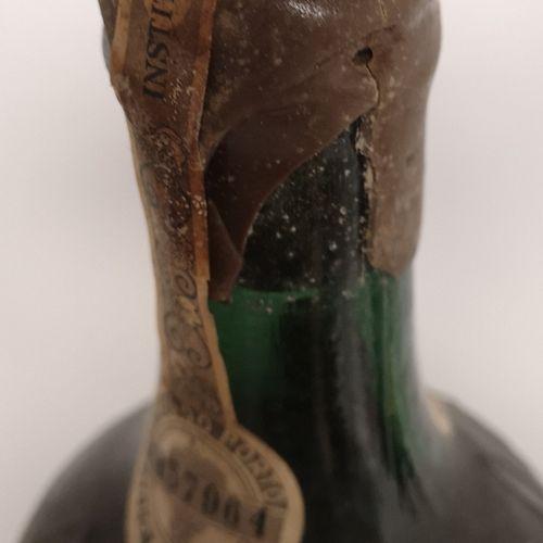 "1 bouteille PORTO NIEPOORT ""Garrafeir"" 1940.  Mis en en vieillissement prolongé …"