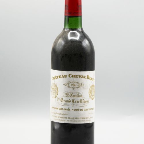 1 BOUTEILLE CHT CHEVAL BLANC 1982