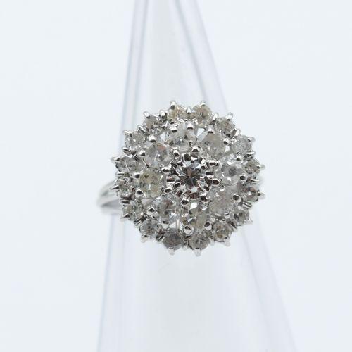 Bague en or blanc 18 ct sertie de 24 diamants taille 8/8 +/ 1.18 ct et 1 brillan…