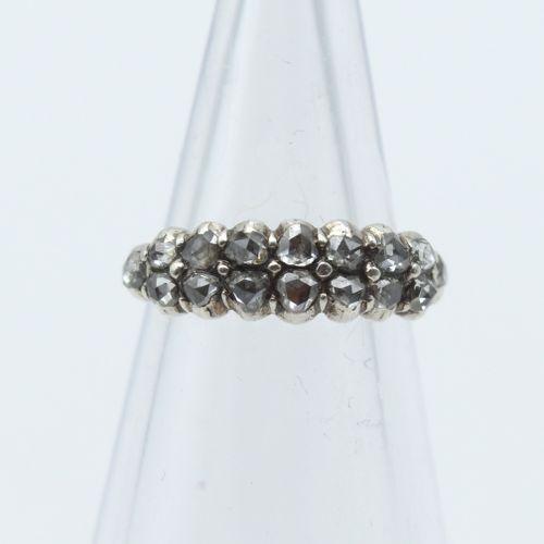 Bague en or jaune 18 ct et argent sertie de roses de diamant 1.7 g brut (Taille:…