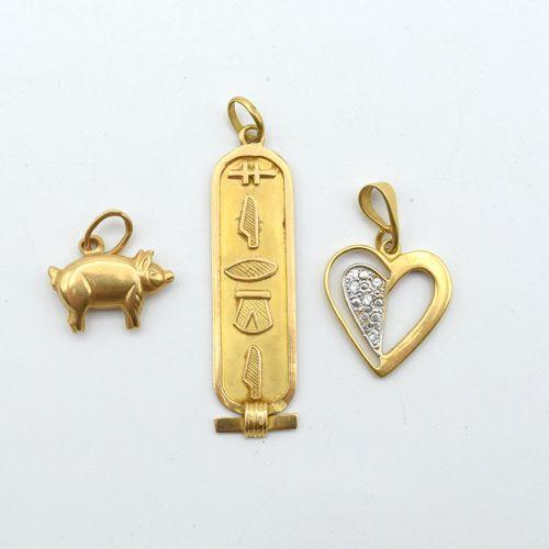 3 pendentifs en or jaune et blanc 18 ct (pierres fausses) 5.9 g \nBeschrijving i…
