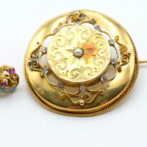 Bague et 2 broches en or jaune et blanc 18 ct sertie de diamants taille ancienne…