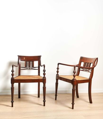 Paire de fauteuils India, circa 1810 1830 In Indian rosewood, carved and openwor…