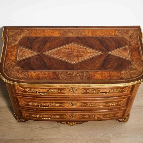 Commode en marqueterie In the taste of Thomas Hache (1664 1747) Work of the Daup…