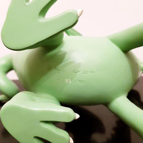 "PEYO "" The Smurfs ""  Resin statuette representing the dragon Fafnir  Leblon Deli…"