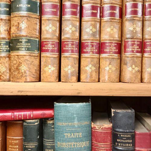 LIVRES ANCIENS MEDECINE.Important ensemble de livres médicaux du XVIII, XIX et d…