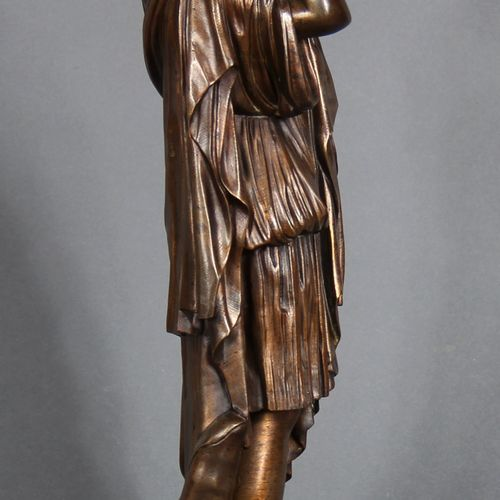 Modern school.  Woman in the Antique style.  Bronze sculpture with a medal patin…