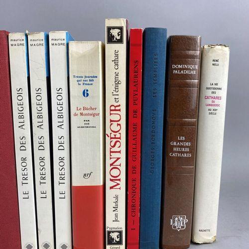 Cathare,  Lot comprenant dix neuf ouvrages sur le catharisme.  Dont, Montségur, …