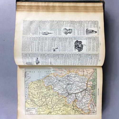 Larousse pour tous.  2 tomes  Début XXe siècle.  Quelques usures des coiffes.
