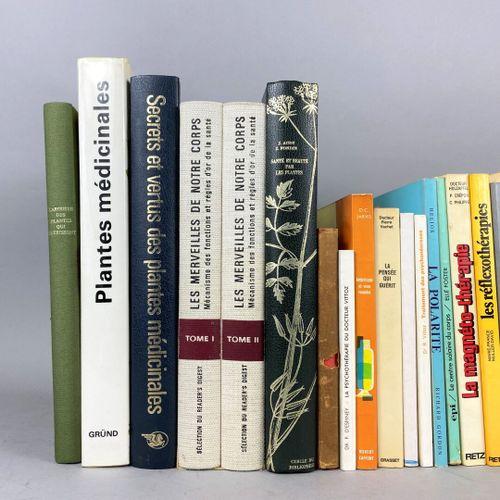 Médecine alternative,  Ensemble composé de vingt six ouvrages.  Livres modernes.…