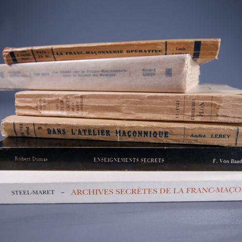 Textes secrets Longtemps désignée comme une société secrète, la Franc Maço…