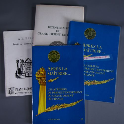 Lot composite de documents historiques sur le Grand Orient de France Le Grand Or…