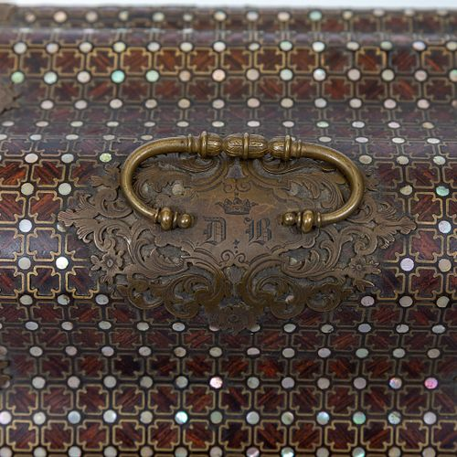 Alphonse GIROUX in Paris.  Polylobed wooden box veneered with rosewood, inlaid w…