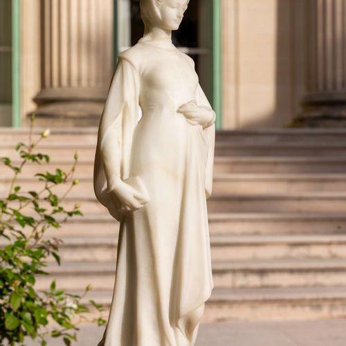 Carlo PITTALUGA (19th 20th century).  Woman walking, wearing a crown.  White mar…