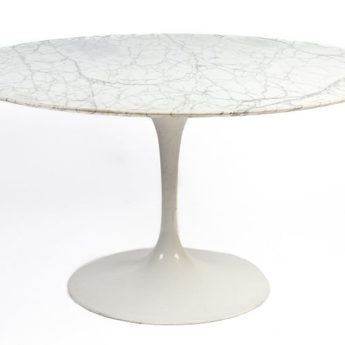 Eero SAARINEN (1910 1961) DESIGNER & KNOLL INTERNATIONAL EDITEUR.  Table circula…