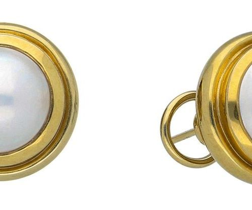 Tiffany pearl earrings  Paloma Picasso Mabé pearl earrings in 18K yellow gold.  …