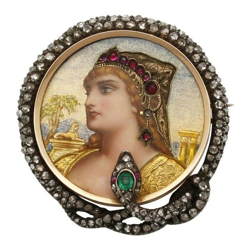 Portrait Brooch  Historical brooch with Egyptian motif in yellow gold 14K.  Fine…