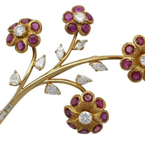 Ruby diamond flower brooch  Beautiful goldsmith work in yellow gold 18K.  Flower…