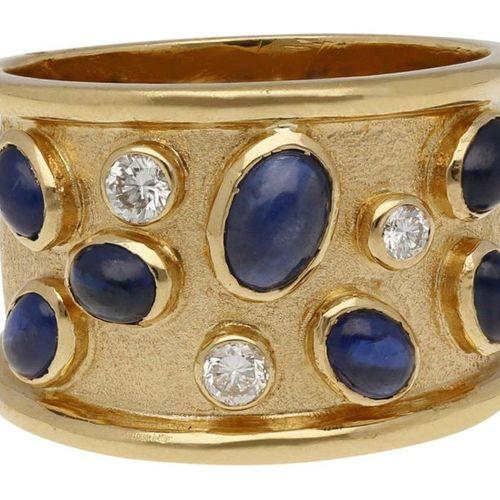 Sapphire Diamond Ring  Fantastic design in yellow gold 18K.  Imaginatively decor…