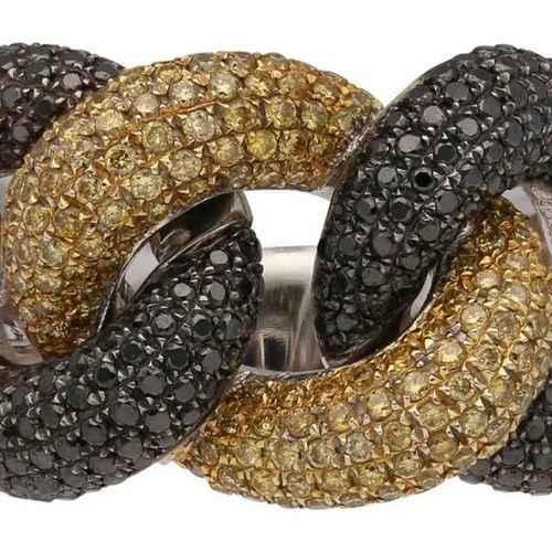 Brilliant ring  Glamorous design in white gold/yellow gold 18K partially blacken…