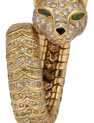 Brilliant ring  Very nice wildcat design in yellow gold 18K.  Fine limbs, easily…