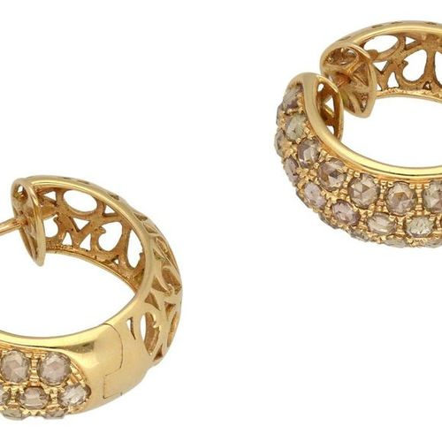 Diamond jewellery set  Fantastic set consisting of ring and ear creoles in rose …