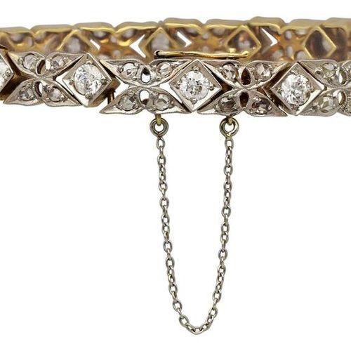 Art Deco Diamond bracelet  Historic, well preserved bracelet in yellow gold 18K/…
