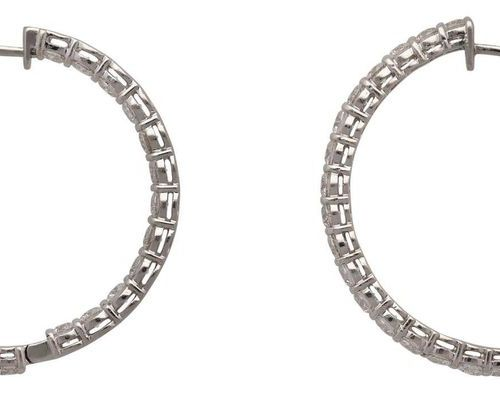 Brilliant Creoles  Fantastic earrings in white gold 18K.  Creoles fully paved wi…