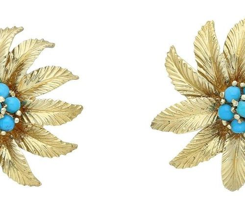 Turquoise Gold Set  Floral ensemble consisting of a brooch and a pair of earclip…
