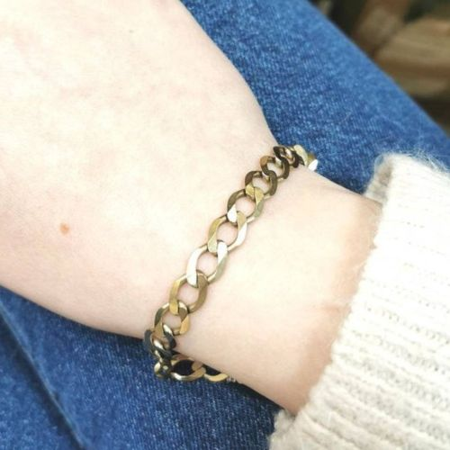 A 9CT YELLOW GOLD CURB LINK BRACELET, unisex, fully hallmarked, a beautiful brac…
