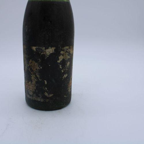 Domaine René Engel, Echezeaux大概是1962年,水平7厘米,无标签,腐蚀的瓶盖