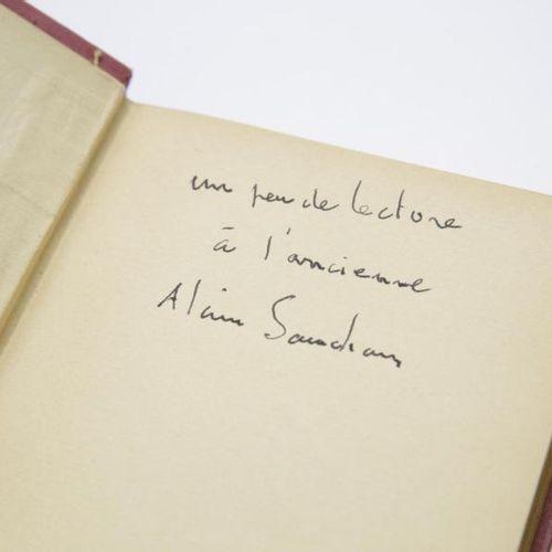 Alain Souchon Alain Souchon offre un ouvrage emblématique de la littérature enfa…