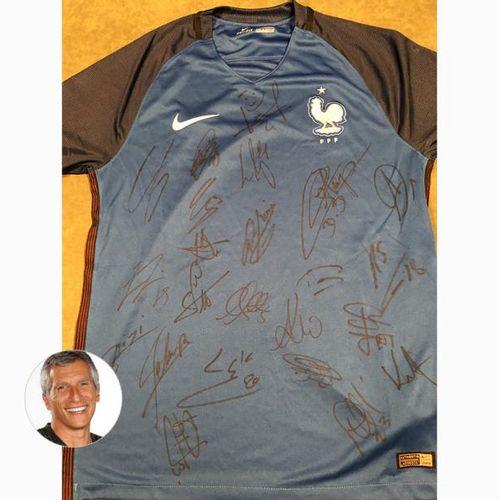 Nagui et l'Équipe de France de football Maillot de l'Équipe de France de Footbal…