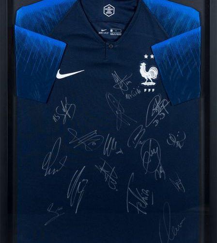 ÉQUIPE DE FRANCE DE FOOTBALL Maillot de football 2 étoiles. Fédération Française…