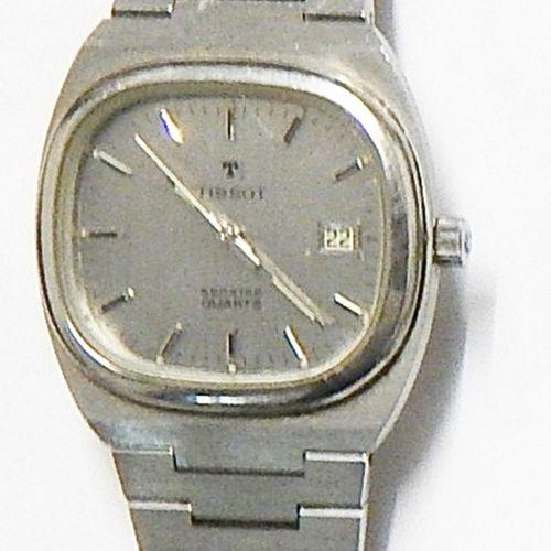 Montre bracelet pour homme, marque Tissot, avec traces d'utilisation