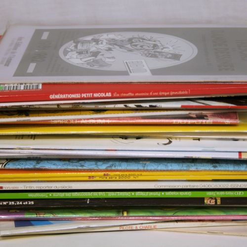 FRANQUIN Important set of various magazines: Smurf, the comic book, BoDoï, Geo, …