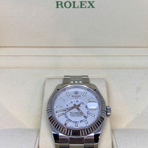 ROLEX, montre bracelet homme, Sky Dweller modèle 2020, Ref 326934, lunette et ma…