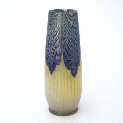 Loetz, vase en verre iridescent de style Sécession, PG 2/187, vers 1902, forme c…