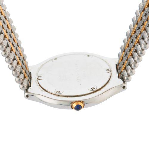 Cartier, une montre bracelet must de Cartier 21 XL en acier inoxydable, numéroté…